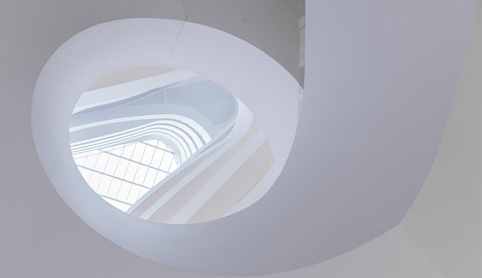 Techo en diseño de paisaje arquitectónico minimalista blanco
